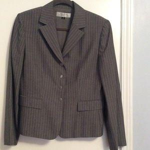 Misses Suit.